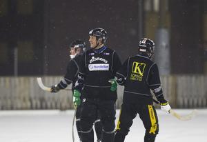 """lämnar. Michael Carlsson har fått förfrågningar från flera elitserieklubbar och ska ta beslut nu i dagarna. """"Jag känner mig trygg i tränarrollen och min styrka ligger i att få ut mycket energi ur spelarna"""", säger han. Foto: Margareta Andersson/Arkiv"""