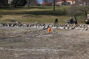 Det beräknas ta ungefär en månad innan vattennivån är tillbaka till det normala i Kumlasjön.