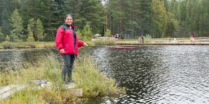 Kibar Muhammad är en av kvinnorna som deltar i projektet Kvinna in i Sverige. I dag är det kick-off med fiske i Abborrtjärn och Kibar har fått smak för friluftslivet.