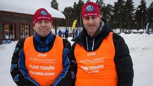 Tävlingsledaren Jonas Almgren och ordföranden Tomas Bredberg på IFK Mora Skidklubb.