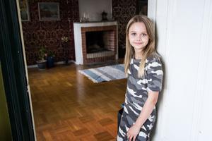 Teja Östberg från Hudiksvall lyckades landa en roll i långfilmen Gryning som den 9 september hade premiär vid Filmstaden i Sundsvall.