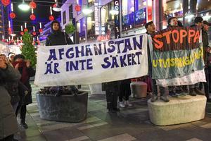 Det är dags att våra makthavare att inser att Afghanistan och Syrien inte är säkra länder, tycker fem över tolv-rörelsens Sigbritt Herbert.