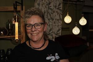 Lena Tageson Olofsson från Svegs möbler visade up en liten del av allt i butiken.
