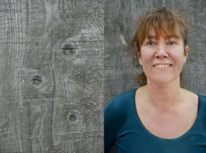 Karin Jacobsson, 50 år, började intressera sig för trä ganska sent i livet.