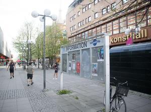 Informationstavlan på Storgatan.