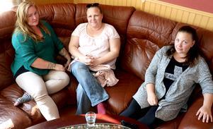 Jannice Eklöf, Jill Larsson och Elin Hjort är alla föräldrar med barn i Alby skola, och berättar om sina känslor och tankar inför det beslut som ska fattas av kommunens politiker under måndagseftermiddagen.