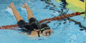 Nathalie Pettersson i Sundsvalls SS är en av simmarna som nu slipper pendla till hallarna runtom i Medelpad för att få simträna.