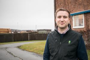 Erik Karlsson tog över vd-rollen i AB Impregna och Rundvirke Poles efter pappa Tommy tidigare i år.