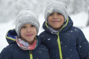 Albert och John Engström, snart 7 år och 9 år, skolbarn, Njurunda: