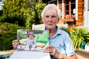 Almanackan med bilden på det yngsta barnbarnsbarnet Kalle är en daglig påminnelse om det sköra klimatet.