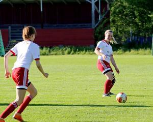 Elin Engdahl har, liksom systern Lova, varit med hela vägen från flicklaget upp till det färska A-laget i Grycksbo som drog i gång 2017.