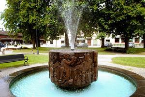 Fontänen utformades av den kända skulptören Inger Modin-Hülphers till minne av sin hembygd.FOTO: Klas Holmquist