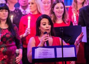 Jamina Jansson är körledare för Rockkören. Bilden är från julkonserten på Norrtullskyrkan 2017.