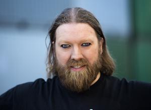 Operasångaren Rickard Söderberg utlovar