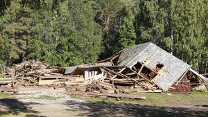 Logen i Lögdö gick inte att rädda och revs.