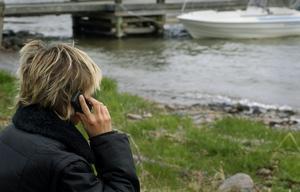 Många skärgårdsbor i Roslagen kan inte använda sig av sin mobil då mobilmasterna inte har någon ström. Foto: Hasse Holmberg/Scanpix