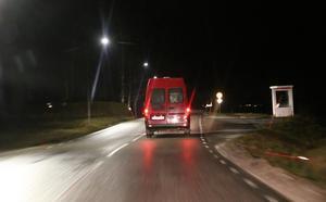Temperaturen låg kring nollan och vissa sträckor var ishal på Bengts väg till julottan.