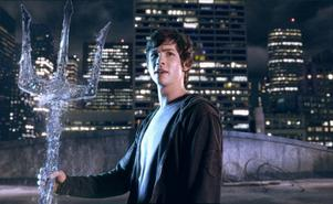 Logan Lerman som titelfiguren i