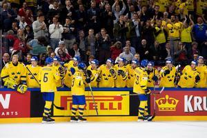 Jubel efter Filip Forsbergs 1–0. Bild: Petter Arvidson/Bildbyrån