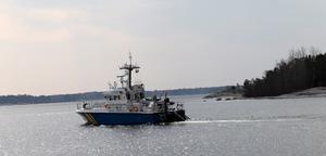 En fiskare som troligtvis ville pigga upp sin frivilliga eller påtvingade karantän med lite färsk fisk kommer lagföras. Hur allvarligt är då detta