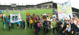 Vinnare i skylttävlingen från vänster: Hagaströms skola 3A, Sörby 4B, och Fridhem Skogen klass 6.
