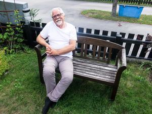 Bernt-Olov Andersson kan i år blicka tillbaka på 40 år som författare. Arbetarklassens skildrare i Sandviken är aktuell med en ny, självbiografisk bok.