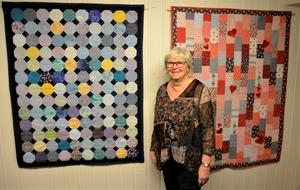 Avlagda bomullsklänningar är materialet till de barntäcken som Anna-Maj Sundström har skapat. Rektanglar bildar mönster, mönstret till vänster kallas snowball.