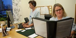 Liz Voxlin och Sofia Rudman Palm tycker att hälsocentralen har blivit mycket bättre på att hjälpa personer med psykisk ohälsa.