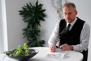 Ett stort antal val måste göras, om personerna redan samlat önskemål i ett livsarkiv, underlättar det mycket, säger Michael Skoglund, begravningsentreprenör i Ljusdal.