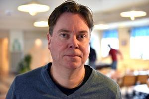 Anders Rosell uppskattar att vara behjälplig ungdomarna.