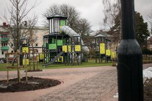 Den helt nya lekparken öppnade för knappt två veckor sedan. Lekanläggningen har kostat 1,8 miljoner kronor.