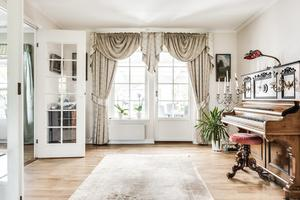 Foto: Johan Blomquist/ Bostadsfotograferna. Interiör från huset på Gulltofsavägen 3.
