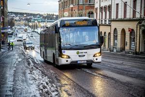 Det räcker inte att bussarna är billiga att åka med Härnösands resekort - de måste ju möta resenärernas efterfrågan också och kunna konkurrera med bilen.