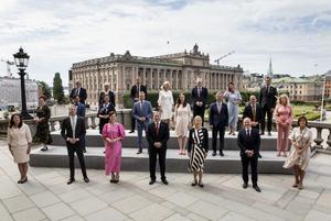 Den tillträdande regeringen på Lejonbackens terrass efter skifteskonseljen på Kungliga slottet 9 juli 2021.Foto: Christine Olsson/TT