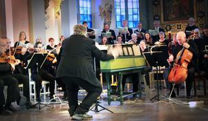 Lars G Fredriksson dirigerade följsamt och nyanserat med ett livfullt kroppsspråk.