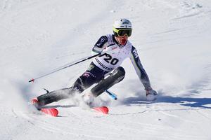 Filip Vennerström kämpade sig i mål med en sprucken läpp och slutade på en tionde plats, sista tävlingsdagen.