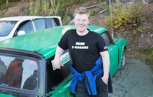 Felix Granlund och vinnarbilen.