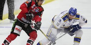 Daniel Gunnarsson och Henrik Hetta i matchen Malmö–Leksand i lördags.