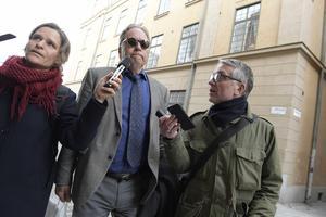 Akademiledamoten Horace Engdahl anländer till Börshuset i Gamla stan för Svenska Akademiens sammanträde.Foto: Janerik Henriksson / TT
