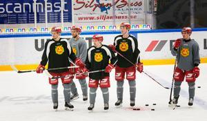 Från vänster i svarta tröjor: Wilson Johansson, Jesper Ylivainio, Nils Carnbäck.