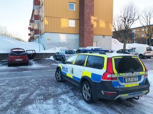 Enligt polisen plockades en person in för förhör under tisdagsmorgonen, men det är oklart om det är samma man som misstänktes för bränderna dagen innan.