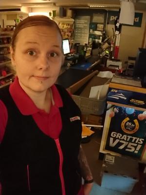 Jenny Häggström är ensam i butiken.