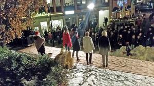 Modevisningen på Hedemoras julmarknad var välbesökt.Foto: Anette Andersson
