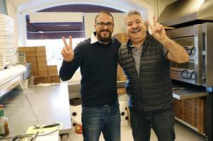 För Yousef Basim Alkhozoz och Nassim Khzouz känns det som en seger. Äntligen har Yousef fått sitt uppehållstillstånd och har kunnat återvända till Nora.