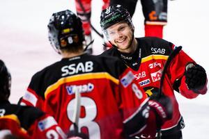 Bild: Bildbyrån. Einar Emanuelsson jublar efter sitt mål.
