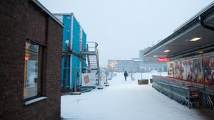 Kyrkogatan är ett förslag, Sandavägen ett annat. Men det blir inga nya gatunamn i Nykvarns centrum.