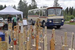 Värmlands bussveteraner knyter ihop den utspridda bygdedagen med en busslinga i klassisk bussveteran.