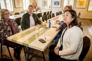 Jessica Polfjärd, till höger, tillsammans med partikamrater inom Moderaterna. Till vänster regionrådet Lena Asplund och Anders Gäfvert, gruppledare M i Härnösand.