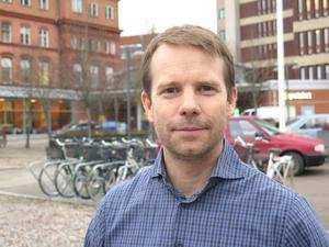 – Det kan vara svårt som läkare att säga nej när föräldrar kräver att barnet ska få hudläkemedel utskrivna, säger Björn Ericsson, familjeläkare och ordförande i Region Gävleborgs läkemedelskommitté.