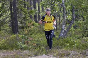 Tove Alexandersson i  terräng vid Idre Fjäll,  som nu får världscupstatus.